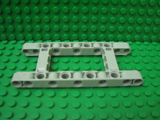 Technic, Liftarm 5 x 11 Open Center Frame Thick 淺藍灰